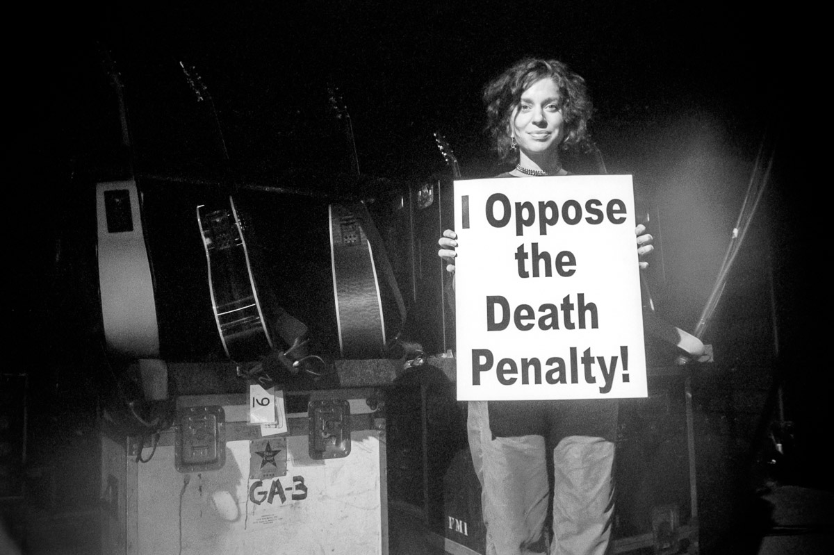 Ani Difranco opposes the death penalty and executions