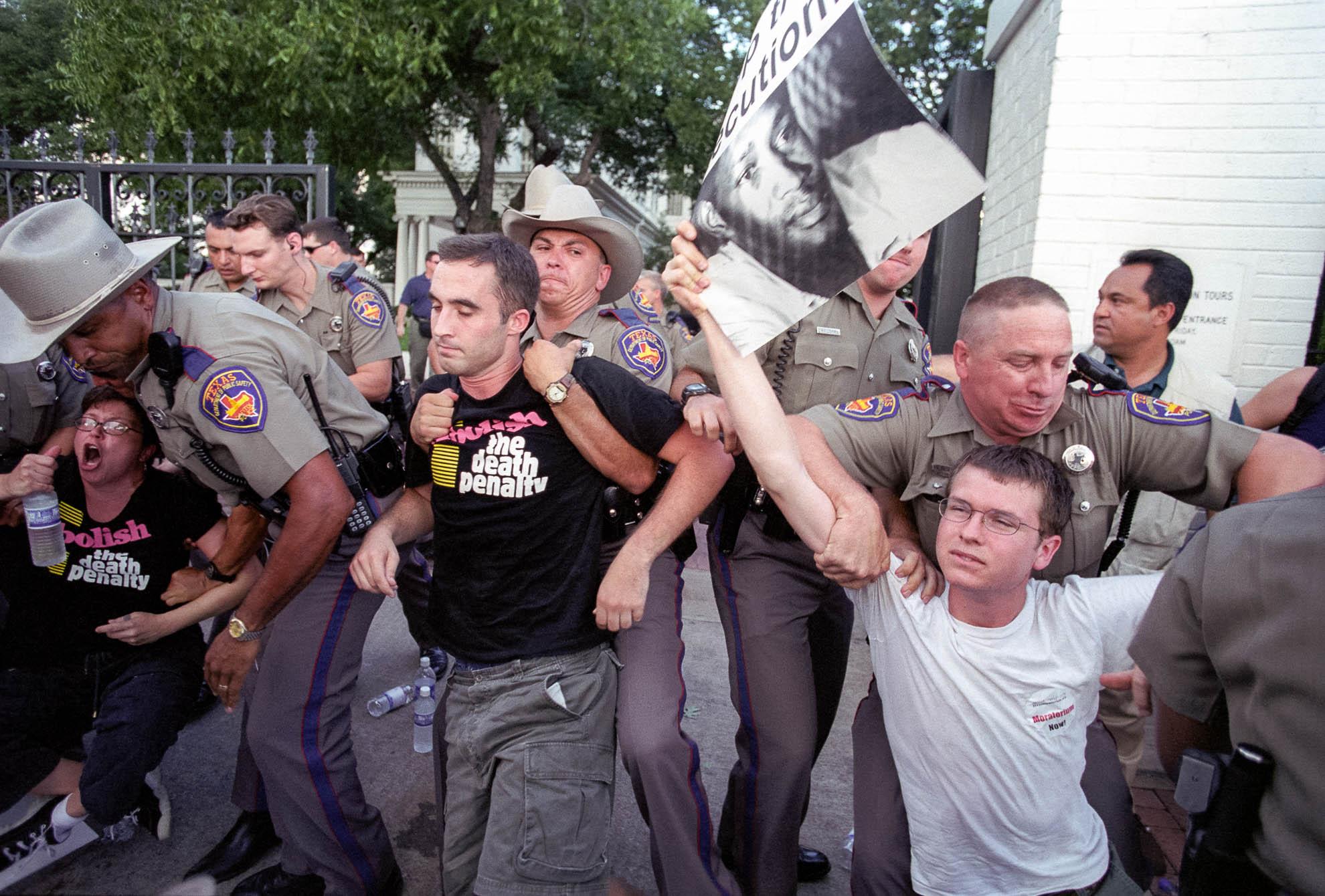 death penalty, photography, photos, execution, prison, documentary, texas, governor, bush, protest, arrest, Gary Graham, innocent